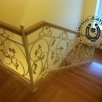 Кованые перила для дубовой лестницы